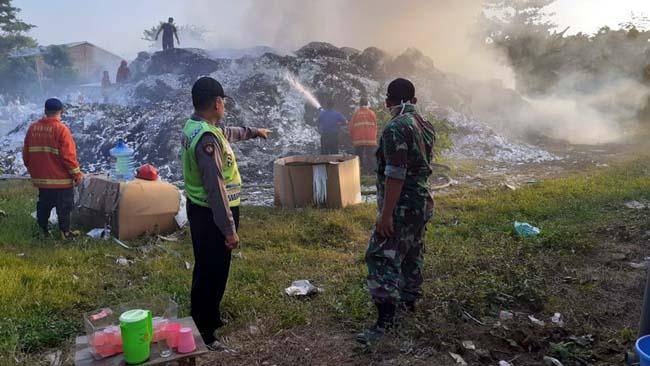 Kertas Senilai Ratusan Juta Terbakar