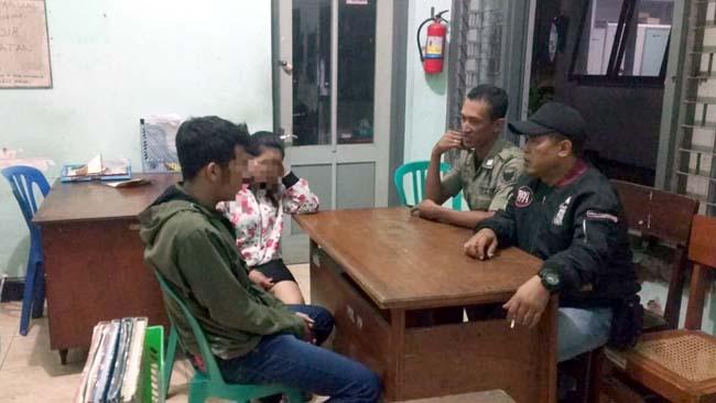 Pol PP Kota Kediri Garuk Pasangan Mesum di Kamar Kos
