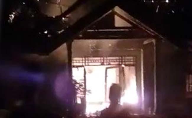 Kondisi rumah saat kebakaran. (ist)