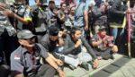 3 Tahun Dana PKH Tidak Cair, Massa Kepung BRI Sampang