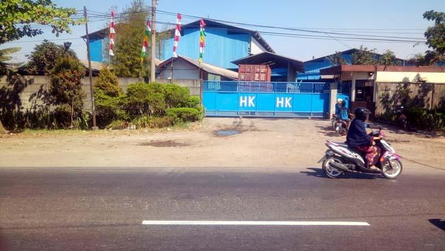 TKP - PT Hasil Karya Krian menjadi Tempat Kejadian Perkara (TKP) perampasan uang Rp 407 juta yang diduga dilakukan sekawanan perampok, Jumat (02/08/2019)