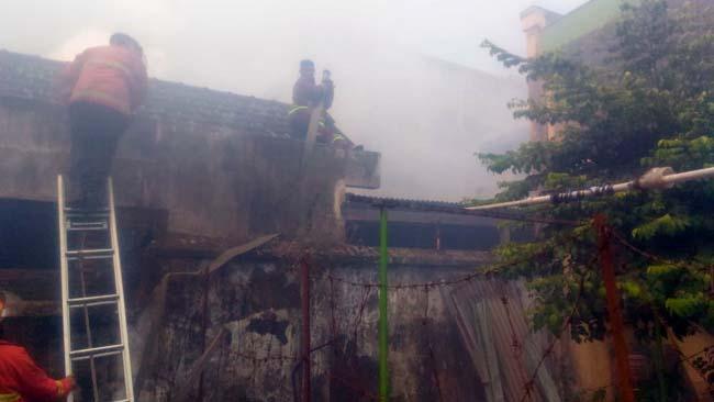 Ditinggal Haji, Rumah Warga Gadang Terbakar