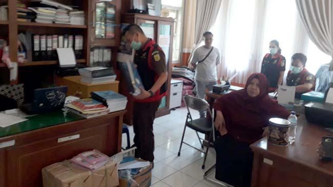 Penggeledahan Kantor Dinkes Kabupaten Malang. (ist)