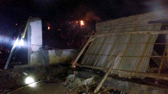 3 Rumah Sidomukti Jember Terbakar Habis