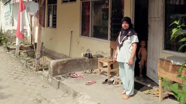 RUSAK BERAT - Ratusan rumah dinas guru se – Kabupaten Sidoarjo rusah parah. Seperti yang terjadi di SDN Wonayu II . Salah satu sebabnya DAK renovasi rumah guru Rp 2.6 M tak kunjung dicairkan . (par)
