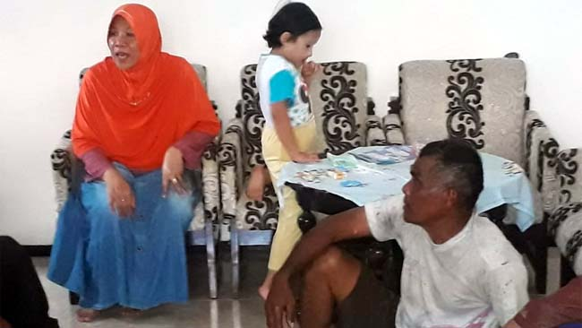 Korban Karyanto di salah satu rumah warga. (gie)